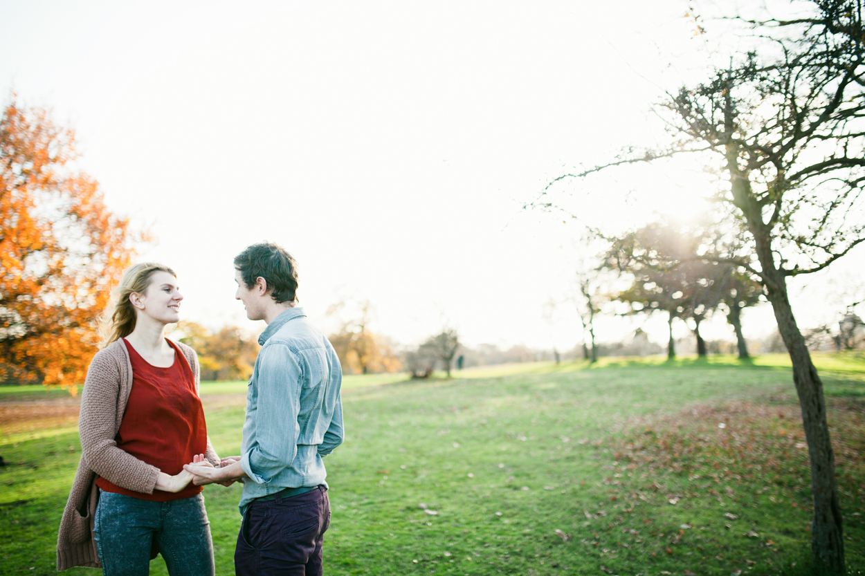 Proposal photo shoot in Greenwich Park by Greenwich wedding Photographer