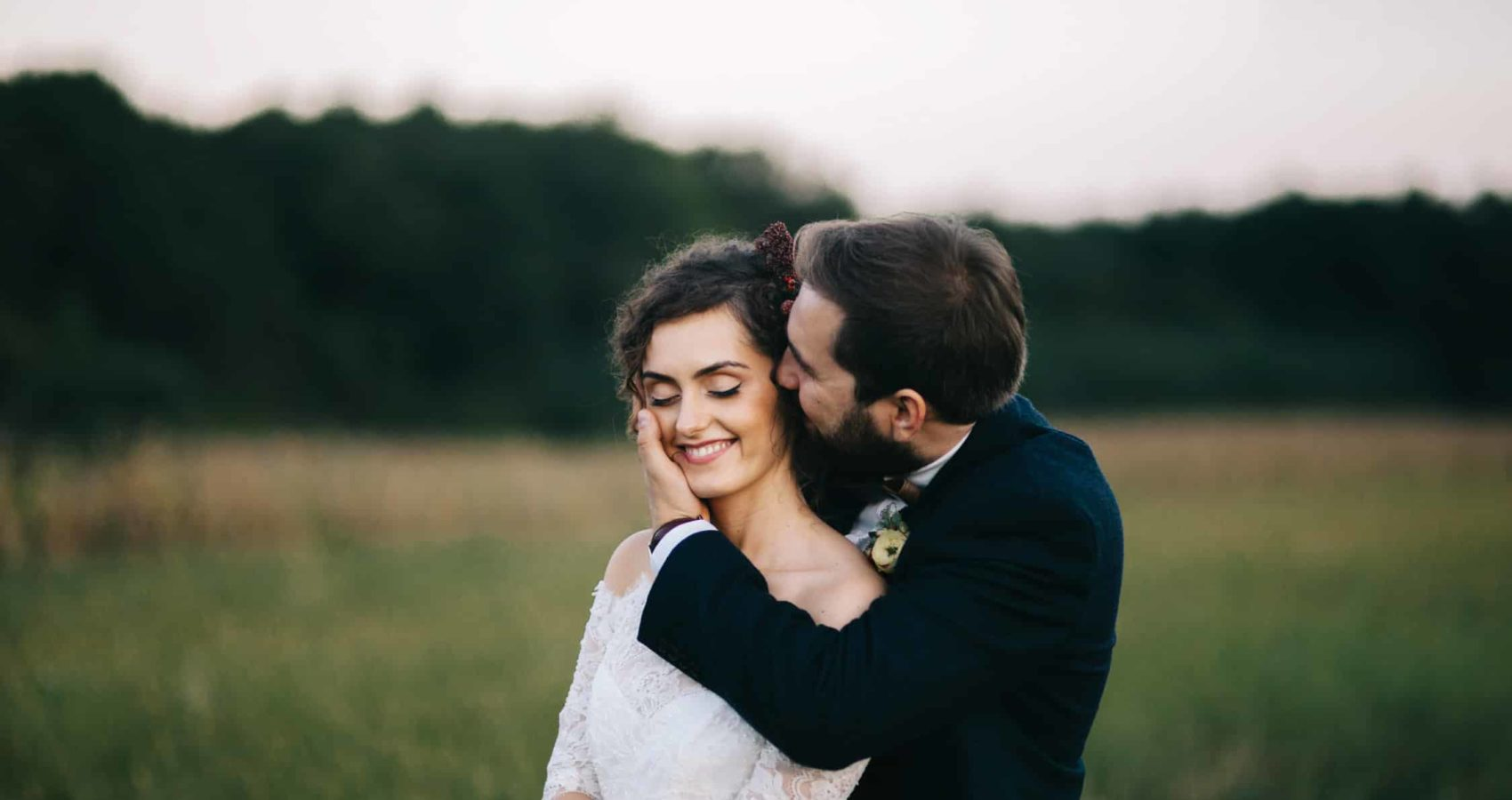 Outdoor bohemian wedding by London wedding photographers
