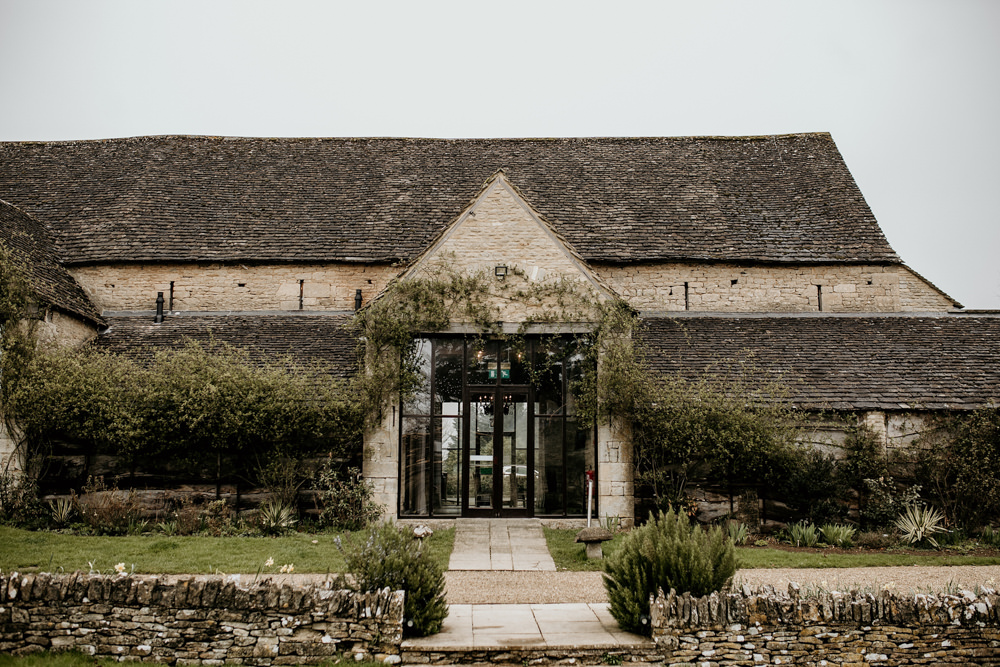 entrance of The Great Thythe Barn Cotswolds wedding barn