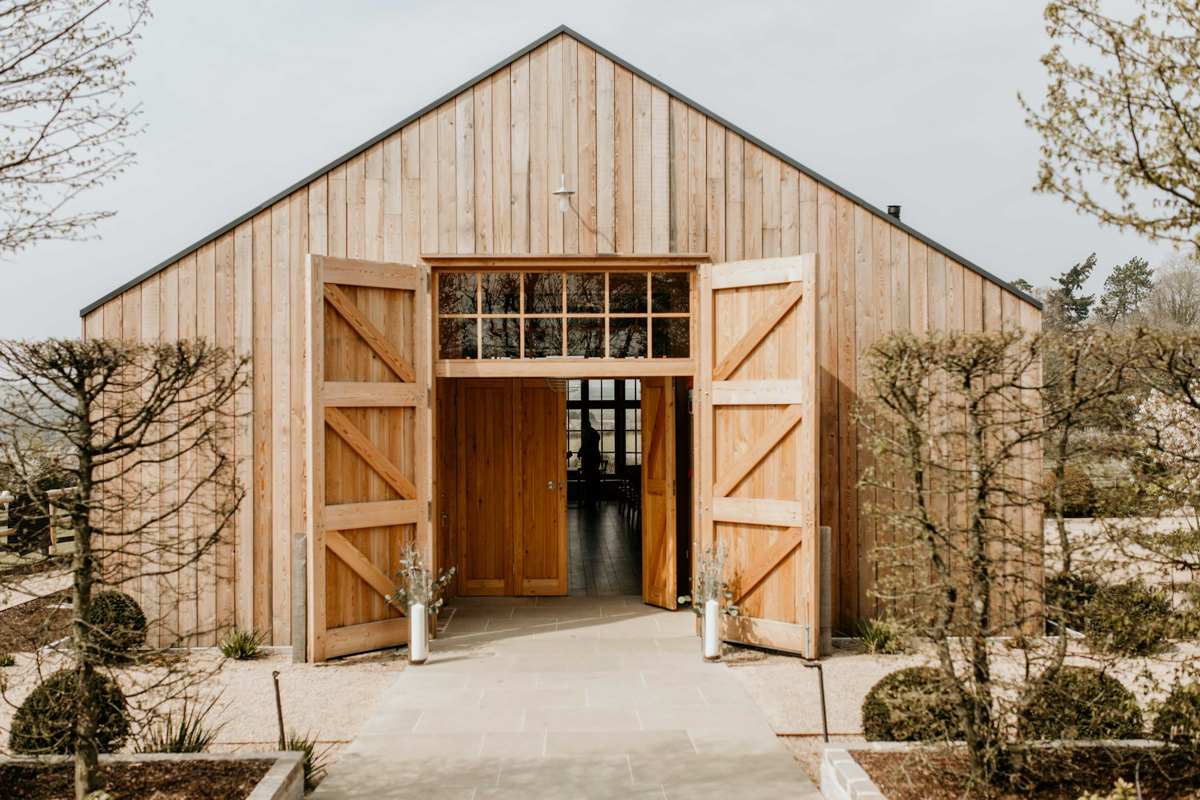 hyde house wedding barn at the Grange in the Cotswolds