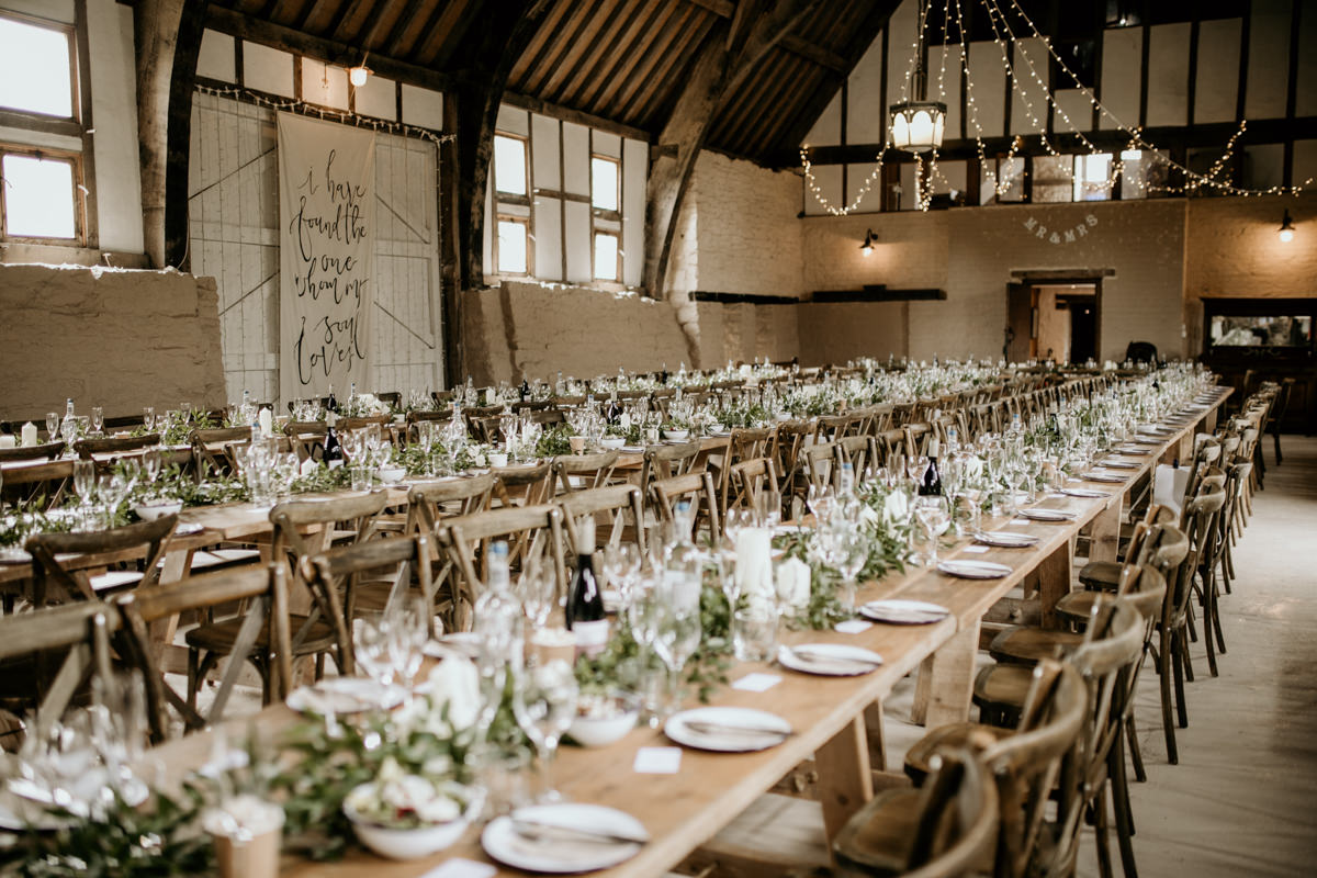 table setting and decor for a barn wedding at Priors Court Barn Gloucestershire